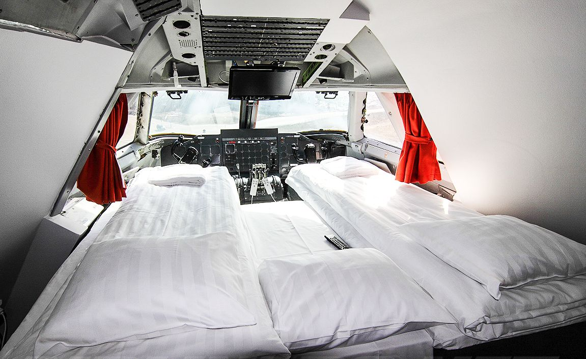 Ever Wanted To Stay In A Jumbo Jet? Now Is Your Chance! (4)
