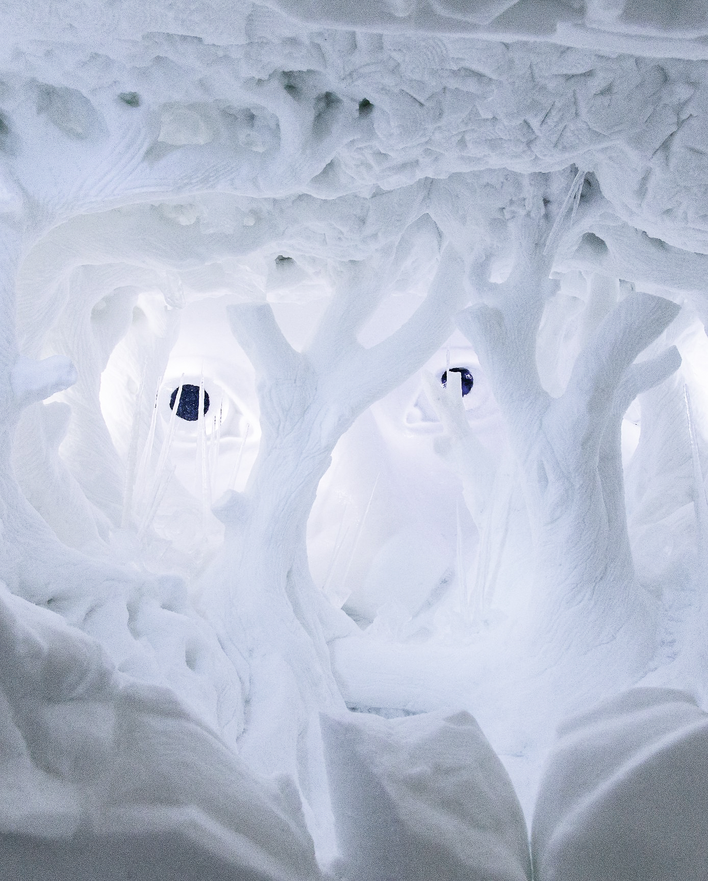 How, Where And Why To Stay At A Unique Hotel Made Of Ice (15)