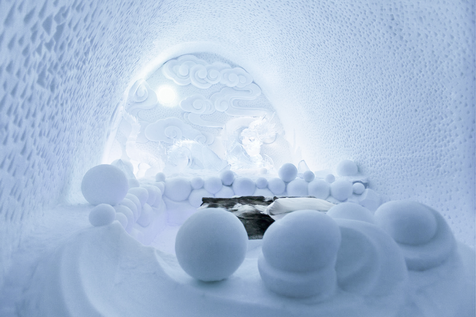 How, Where And Why To Stay At A Unique Hotel Made Of Ice (14)