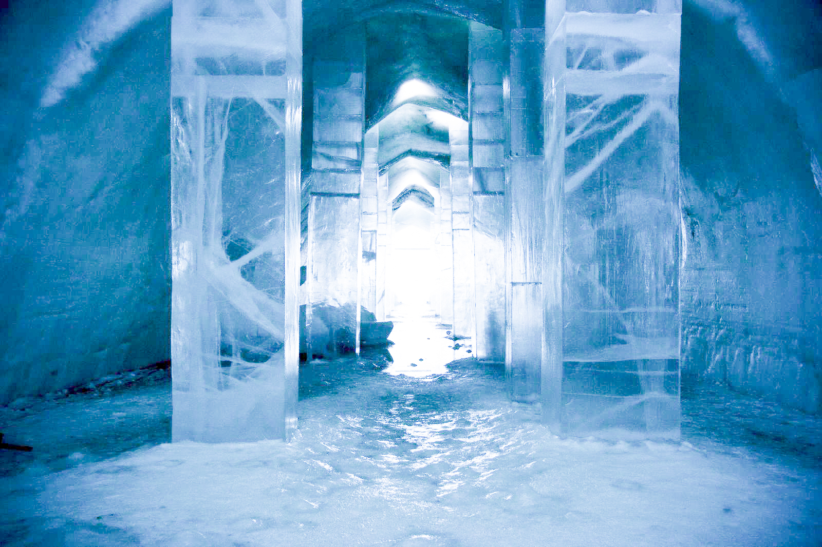 How, Where And Why To Stay At A Unique Hotel Made Of Ice (12)