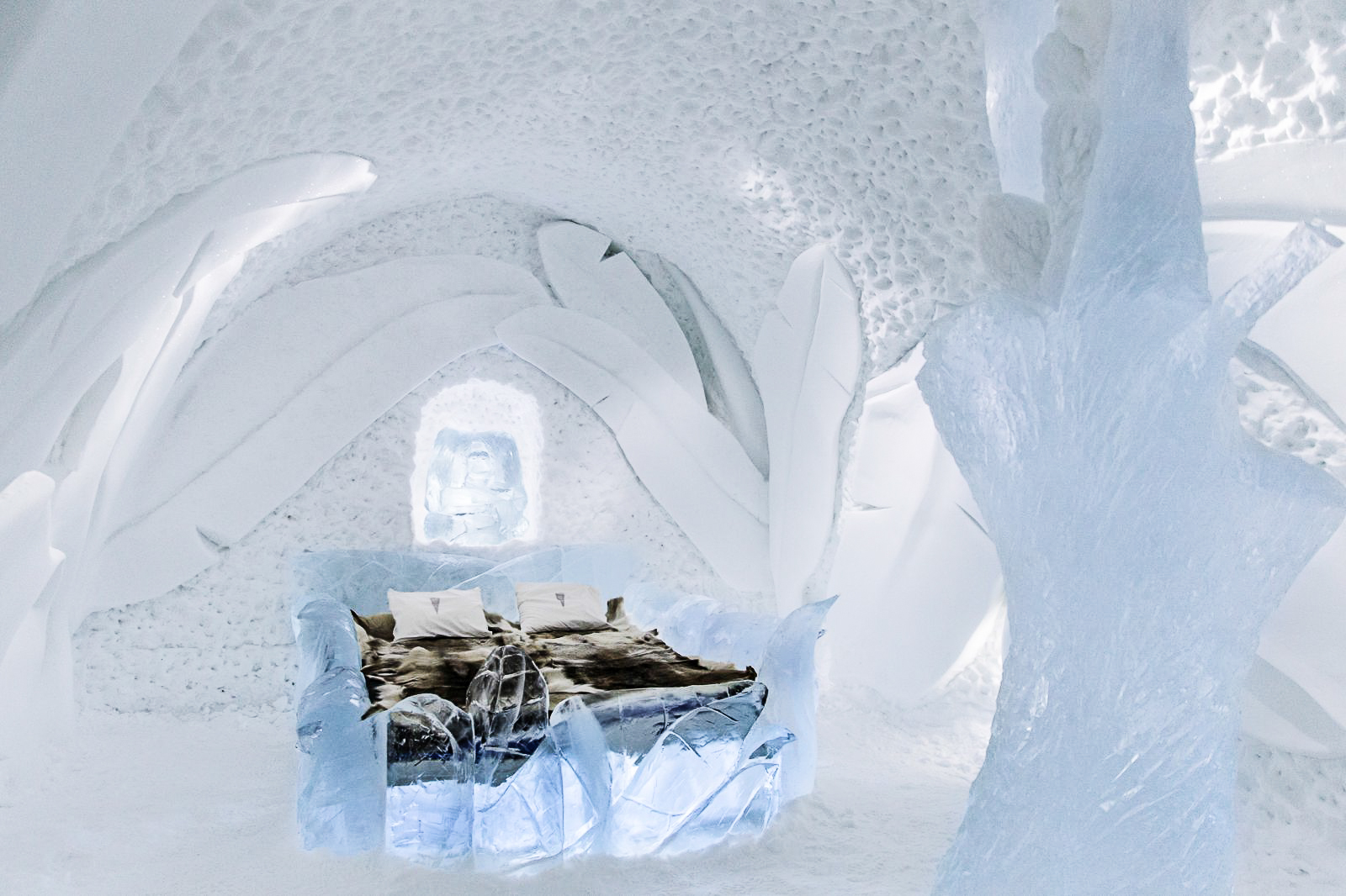 How, Where And Why To Stay At A Unique Hotel Made Of Ice (7)