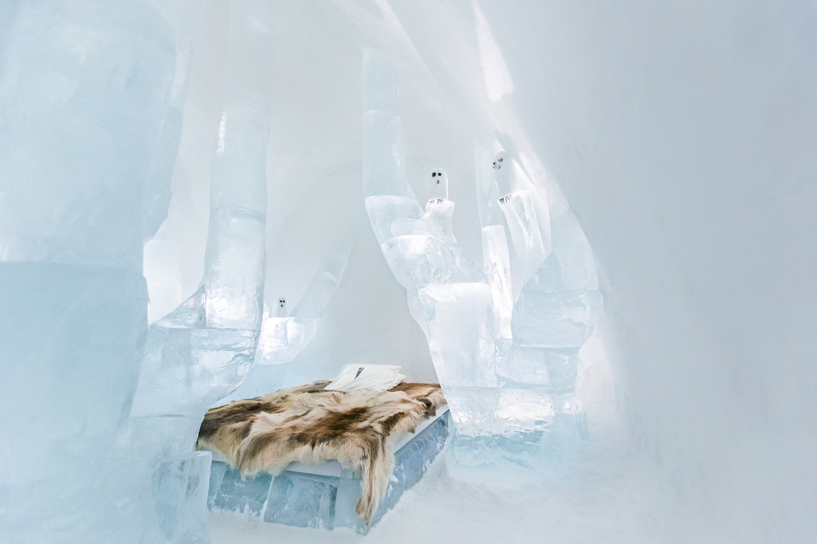 How, Where And Why To Stay At A Unique Hotel Made Of Ice (5)