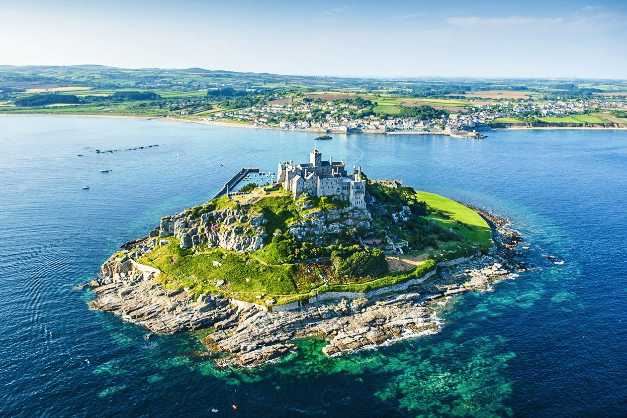 7 Mystical Castles And Manors You Must See In Cornwall, England! (4)