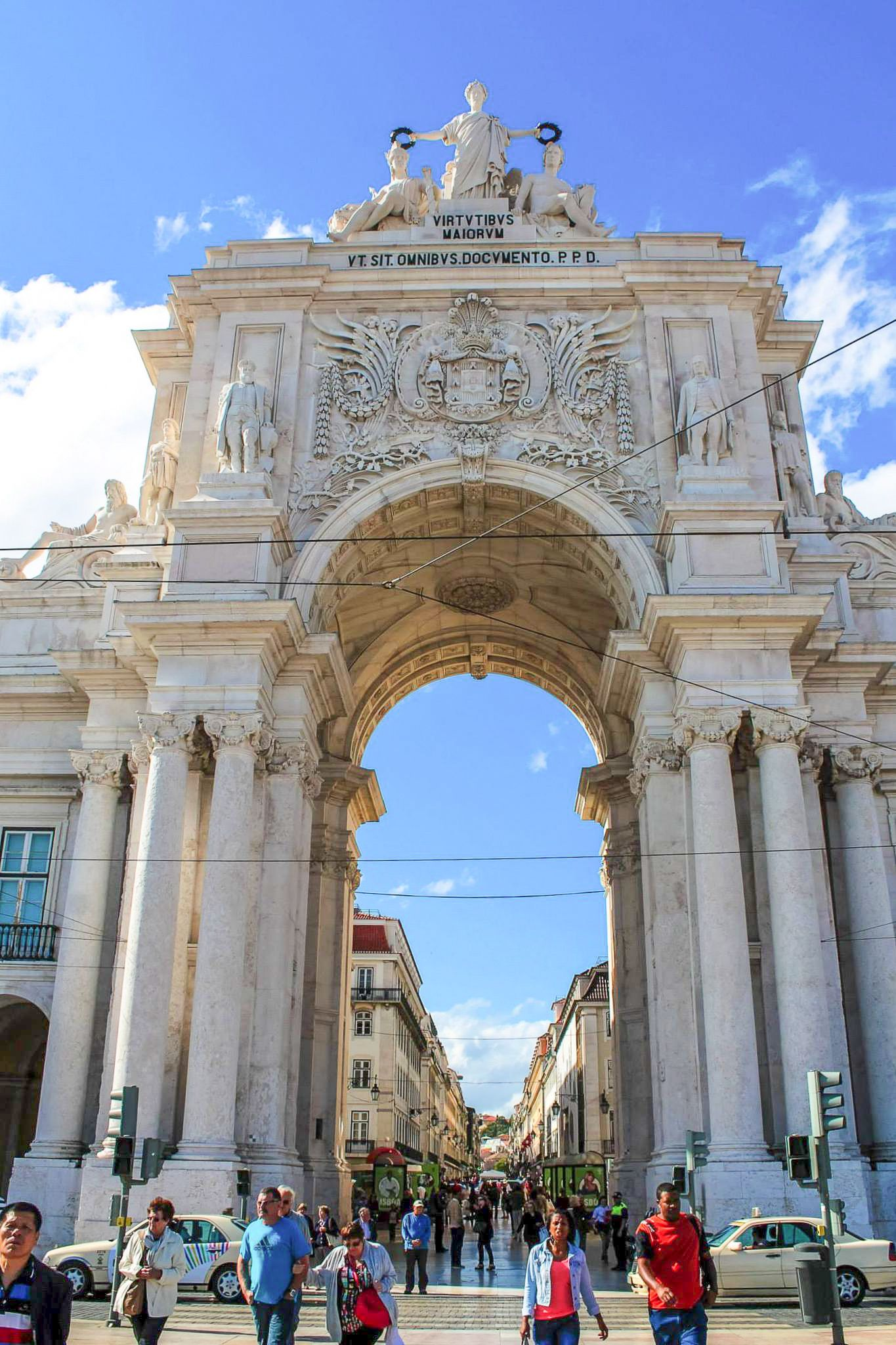 How To Spend The Perfect Weekend in Lisbon, Portugal (2)