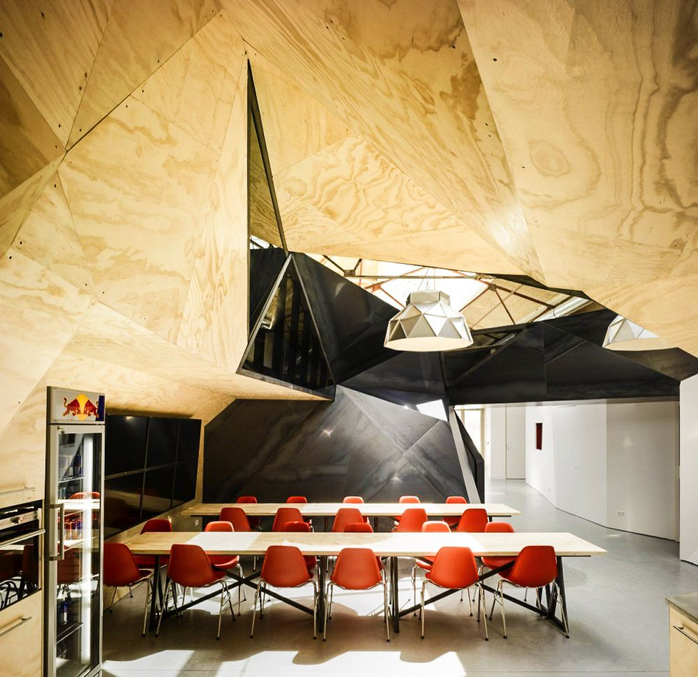 Ultra Cool Office Spaces That You Will Want To Work In (11)