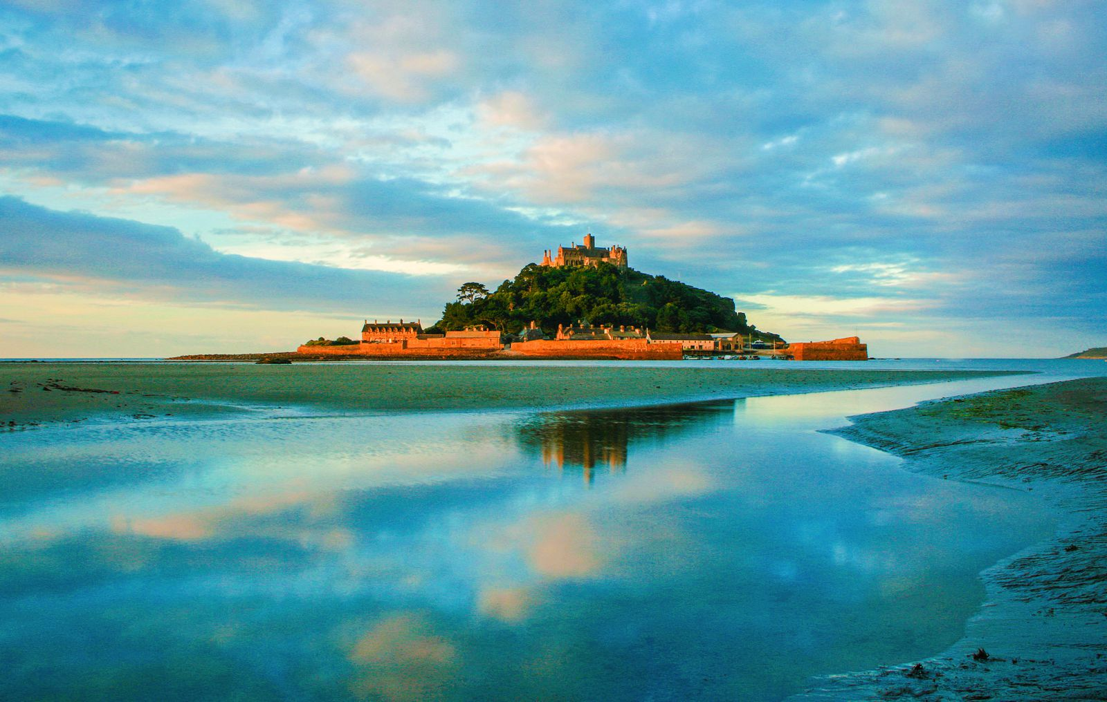 7 Mystical Castles And Manors You Must See In Cornwall ...