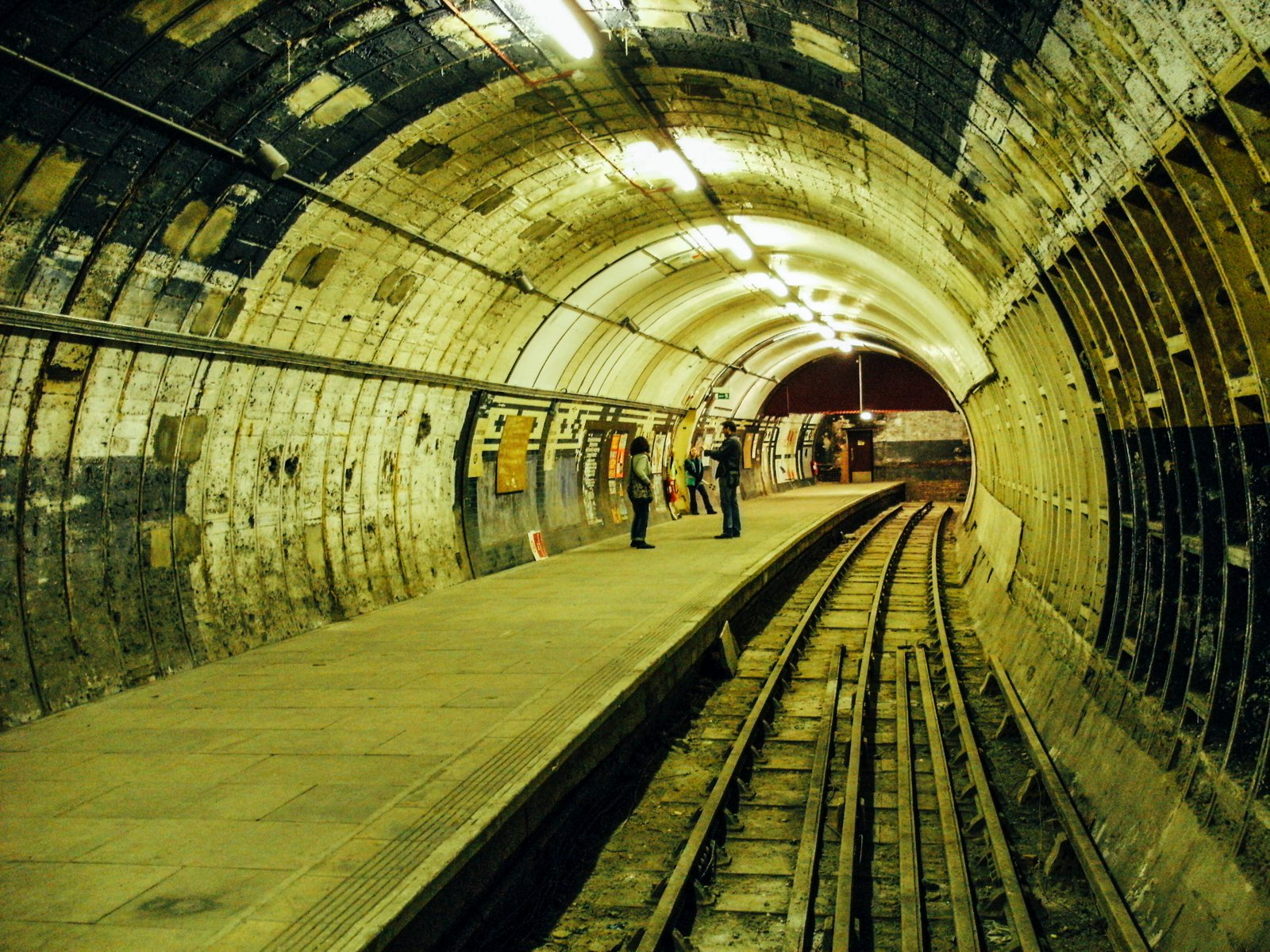 15 Amazing Secret Spots You Have To See In London! (10)