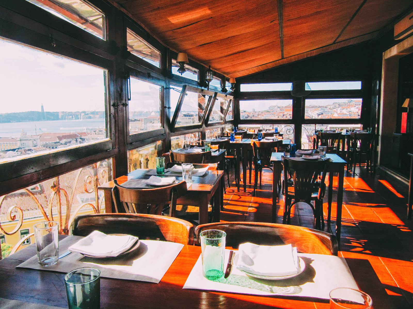 11 Amazing Restaurants With The Best Views In Lisbon, Portugal (5)