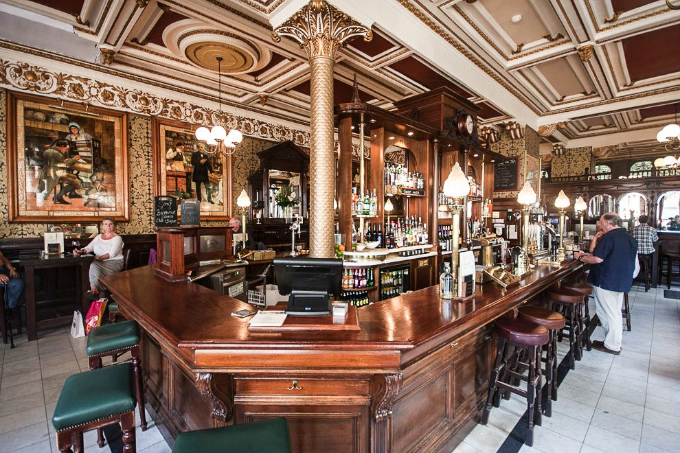 11 Fantastic Bars To Visit in Edinburgh (1)