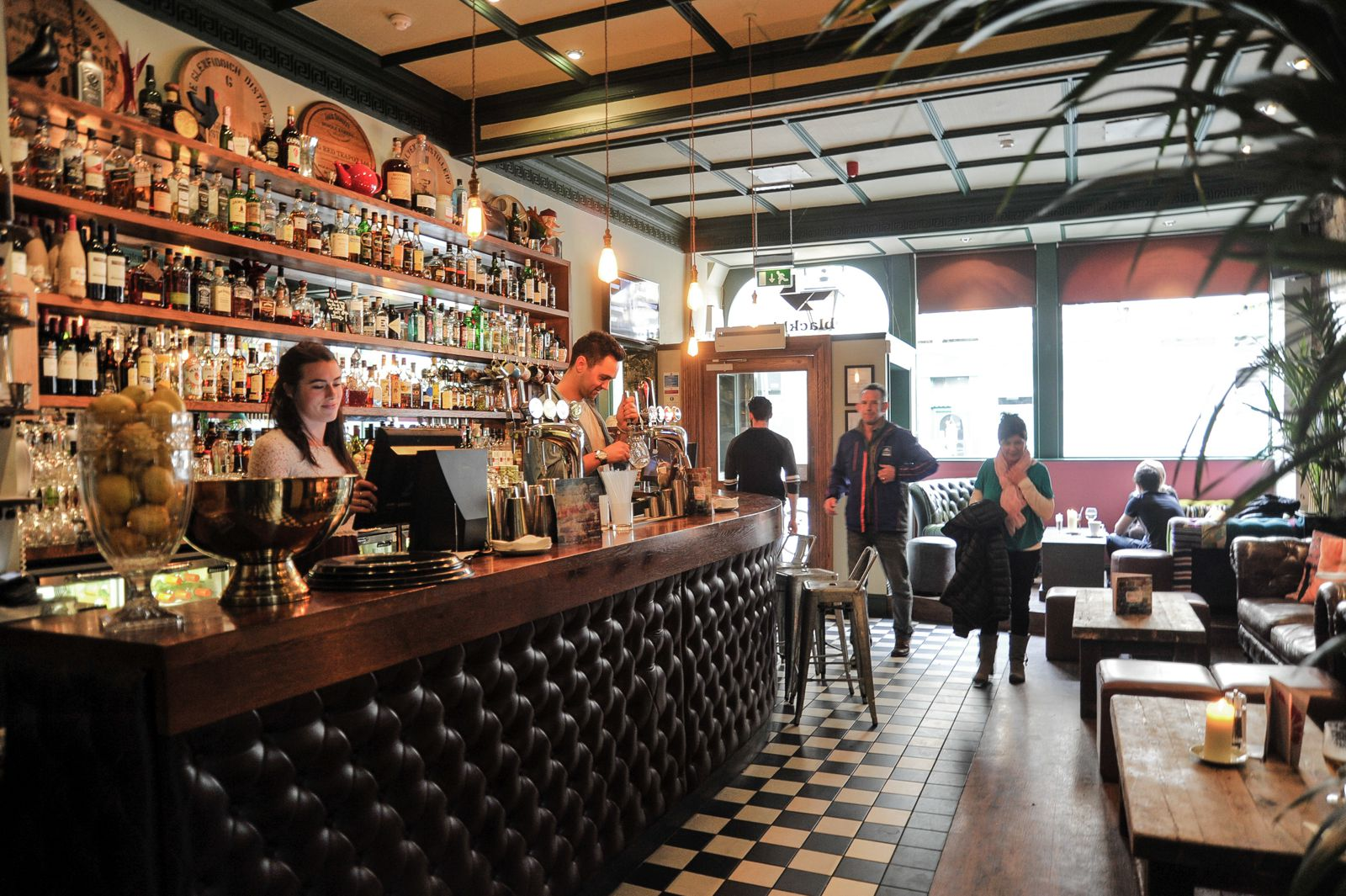 11 fantastic bars to visit in edinburgh hand luggage for Cool bar pictures