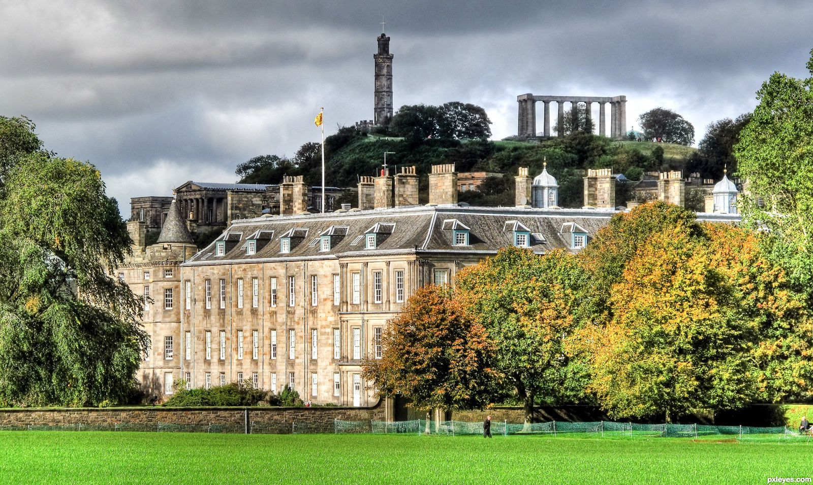14 Essential Experiences You Have To Have In Edinburgh (14)