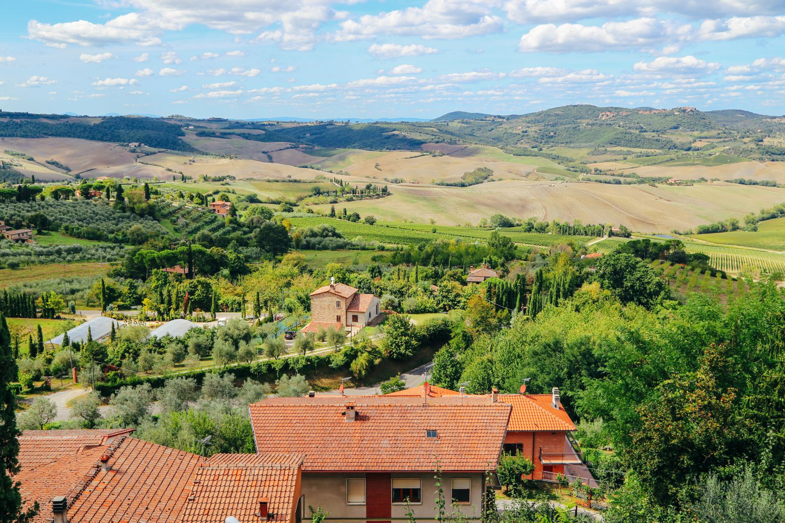 Montepulciano - The Italian Medieval Town In The Mountains... (2)
