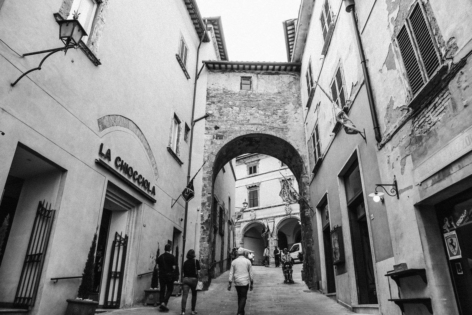 Montepulciano - The Italian Medieval Town In The Mountains... (14)