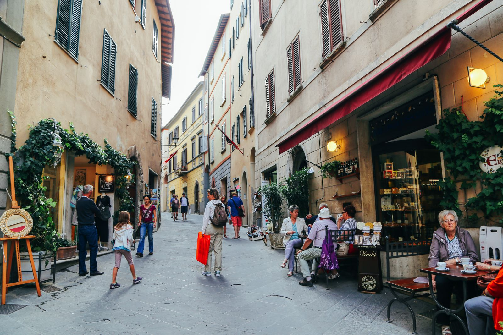 Montepulciano - The Italian Medieval Town In The Mountains... (15)
