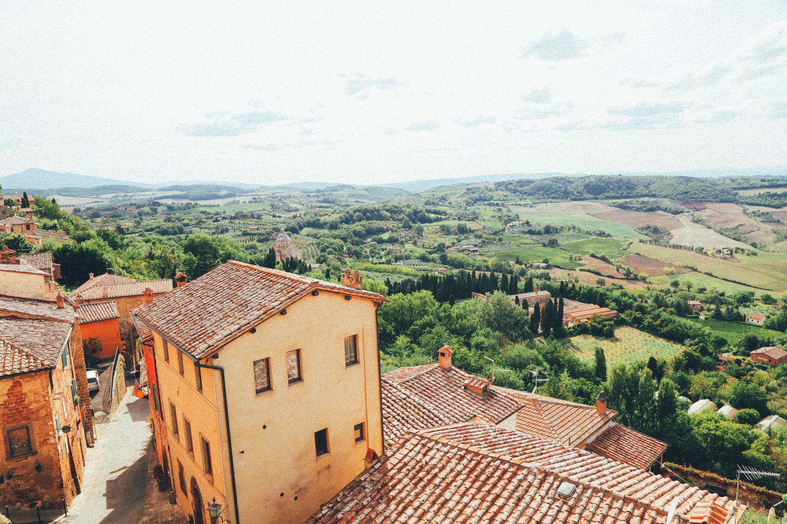 Montepulciano - The Italian Medieval Town In The Mountains... (21)