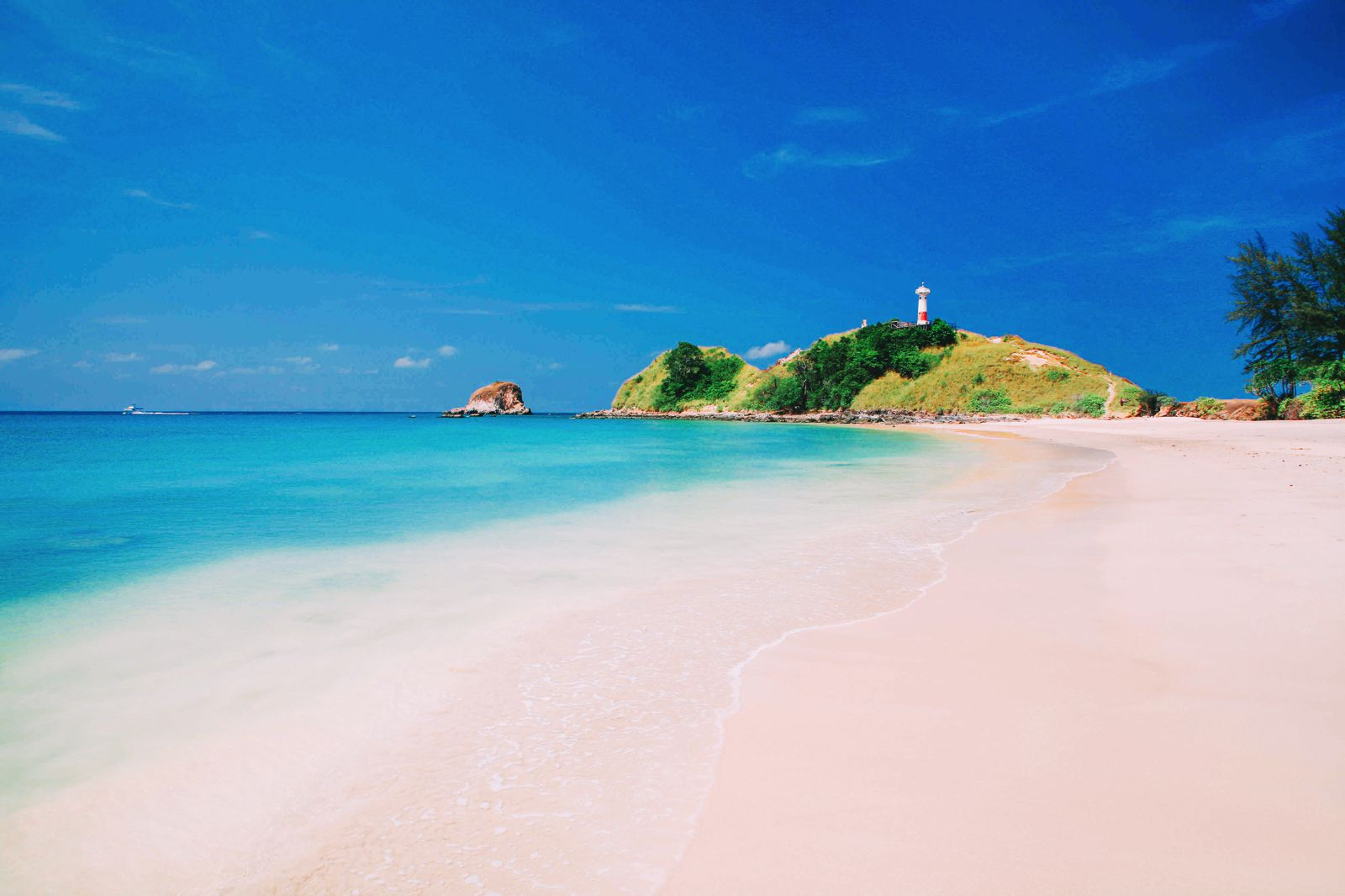 10 Stunning Beaches You Have To Visit In Thailand (3)