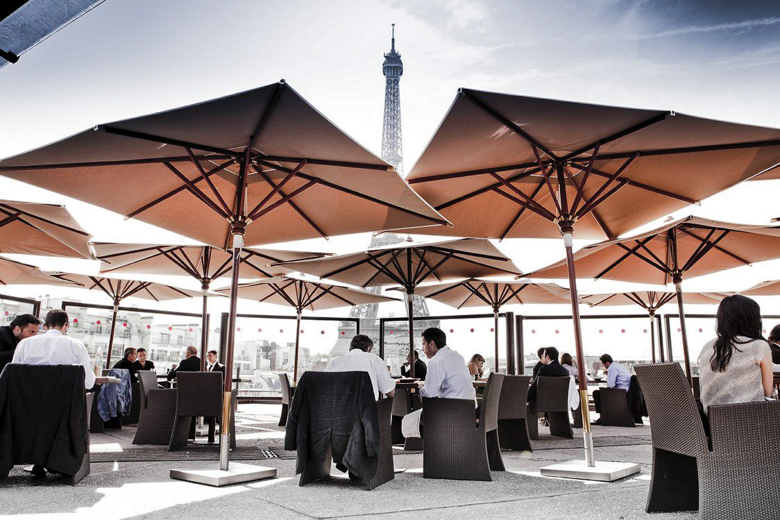 10 Amazing Restaurants With The Best Views In Paris (8)