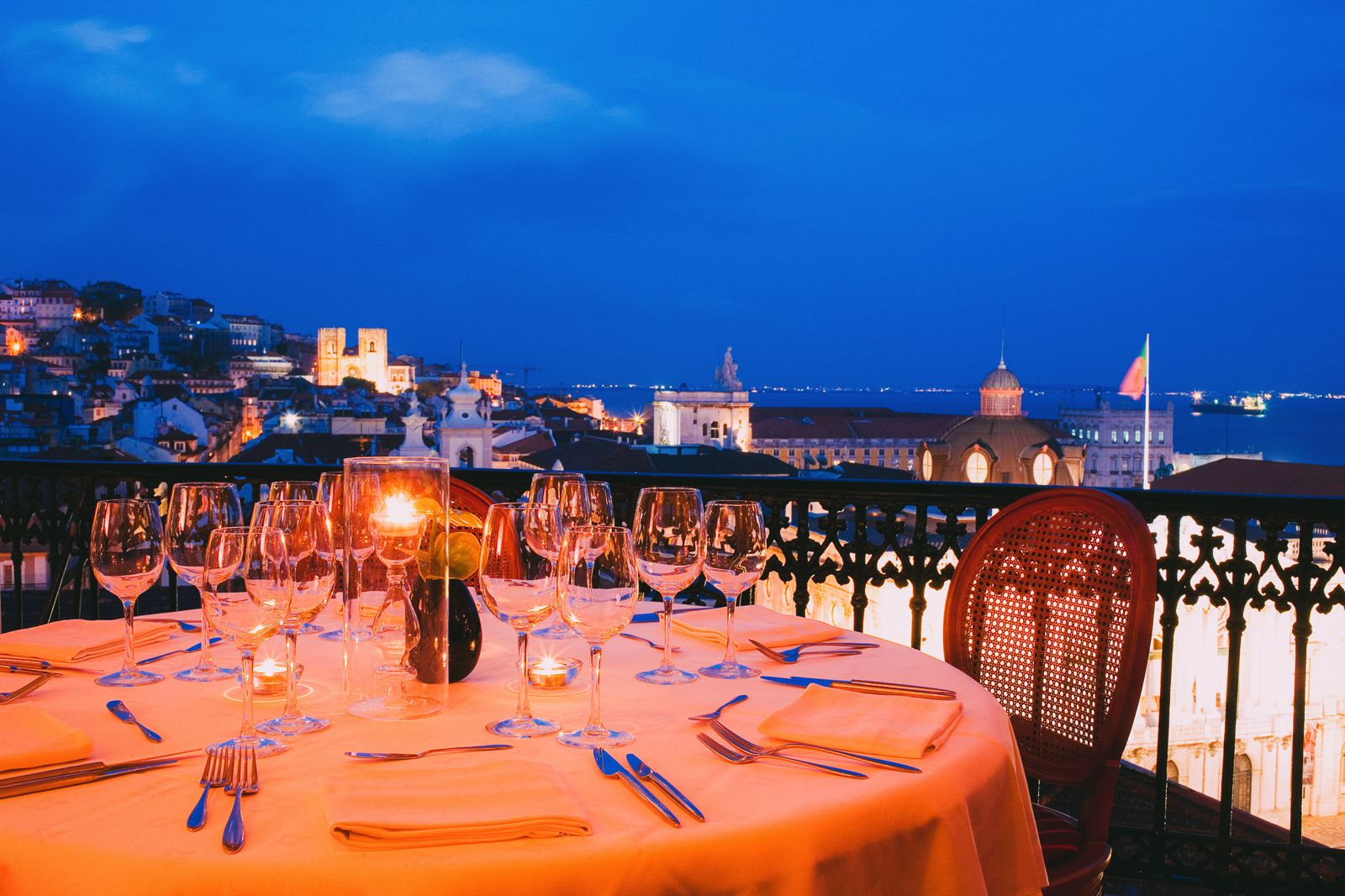 11 Amazing Restaurants With The Best Views In Lisbon, Portugal (8)