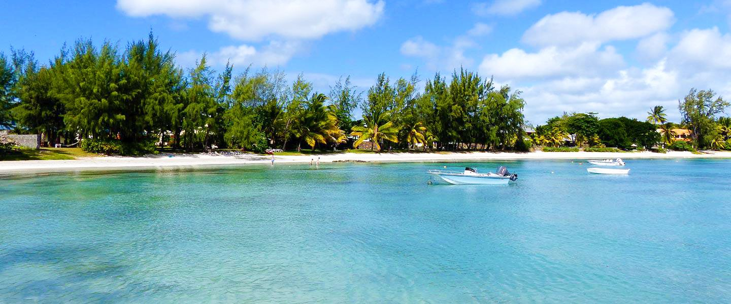 11 Dreamy Beaches You Will Want To Explore In Mauritius (4)
