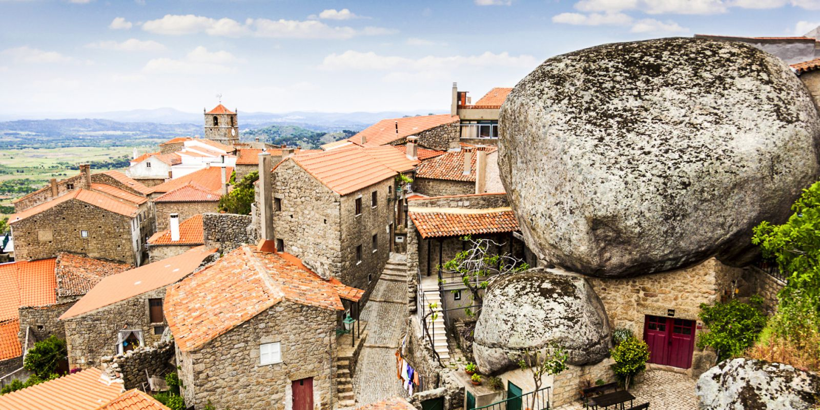 10 Enchanting Villages To Visit In Portugal (5)