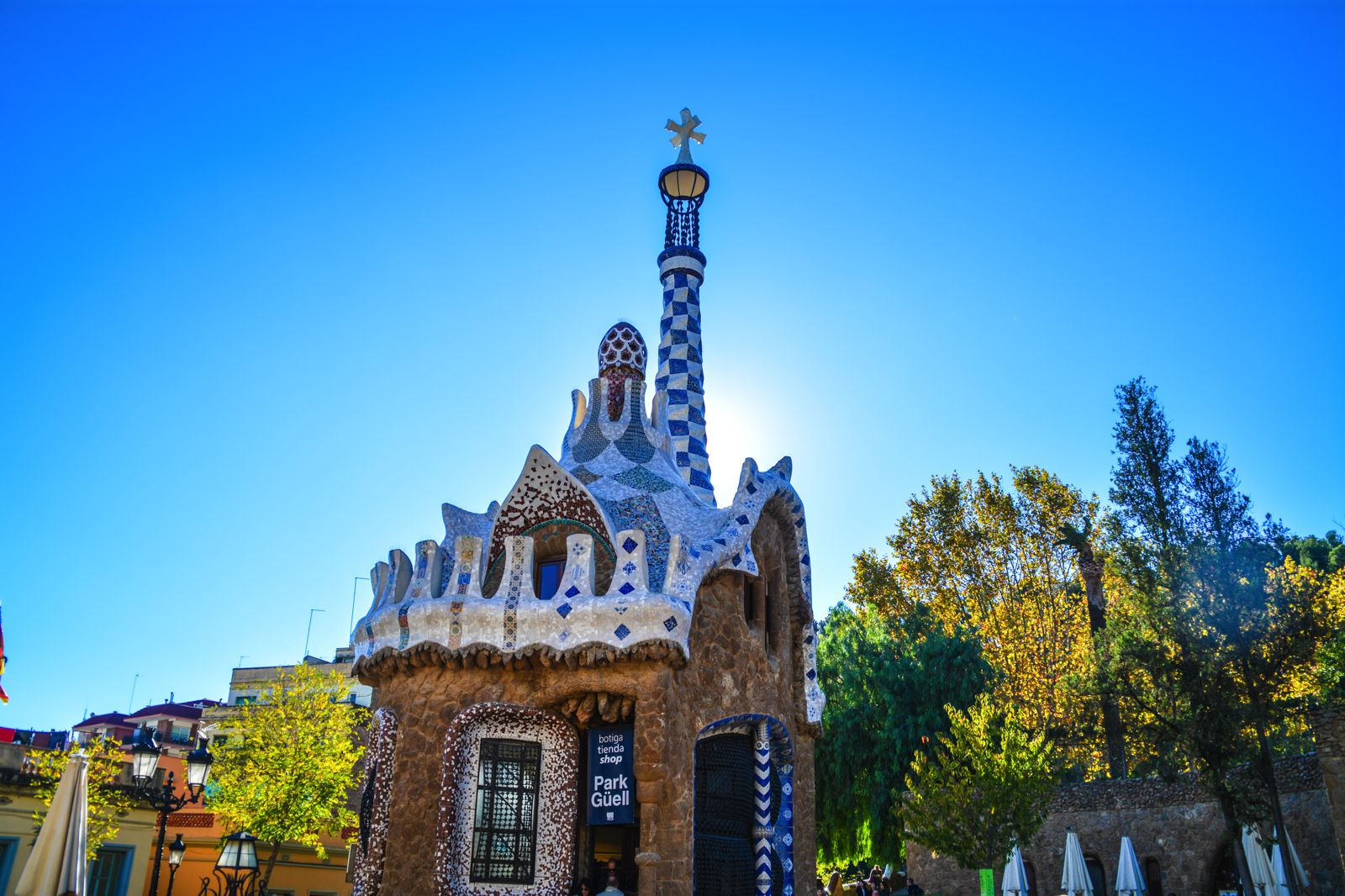 6 Must See Pieces Of Architecture By Gaudì In Barcelona (10)