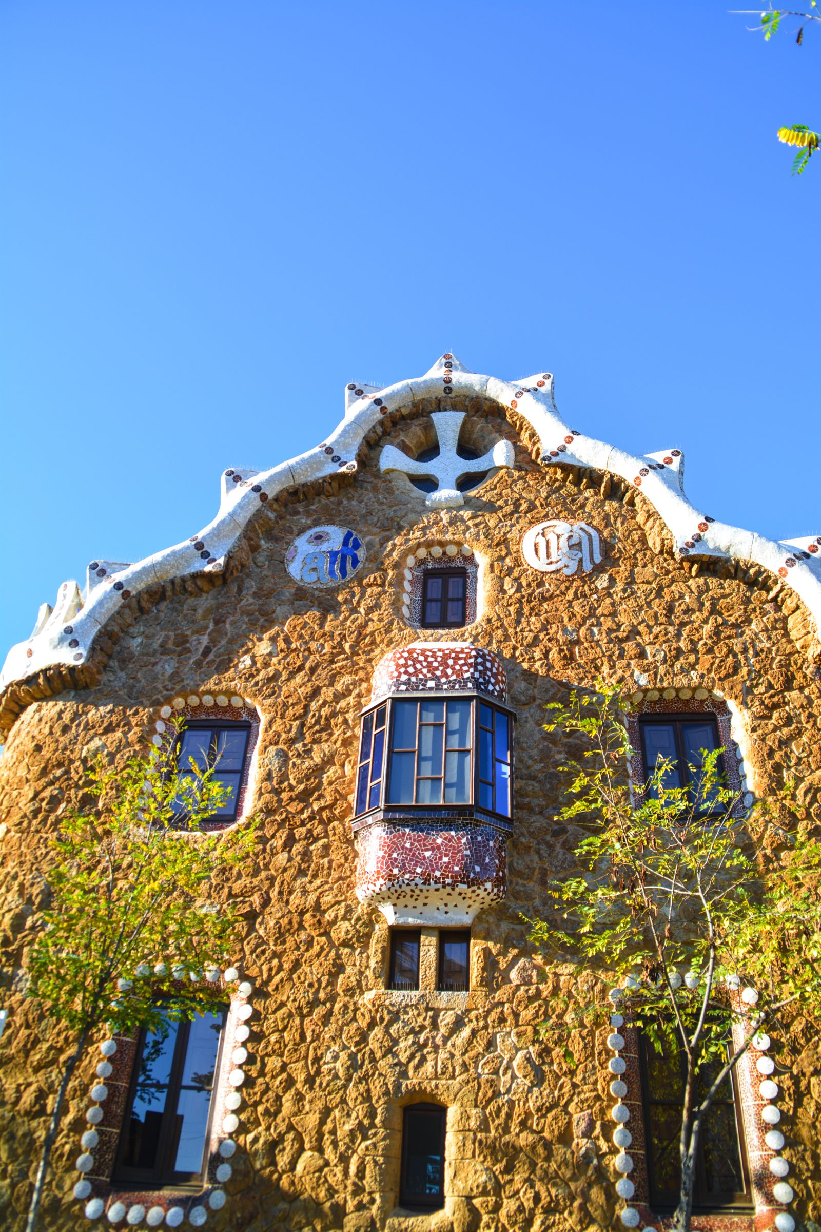 6 Must See Pieces Of Architecture By Gaudì In Barcelona (28)