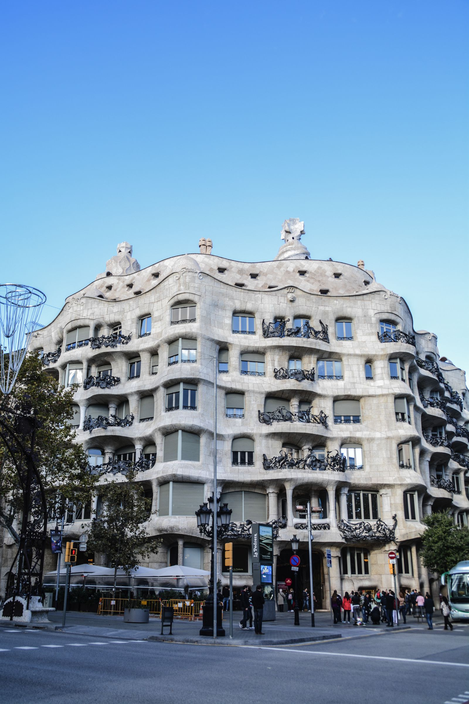 6 Must See Pieces Of Architecture By Gaudì In Barcelona (51)