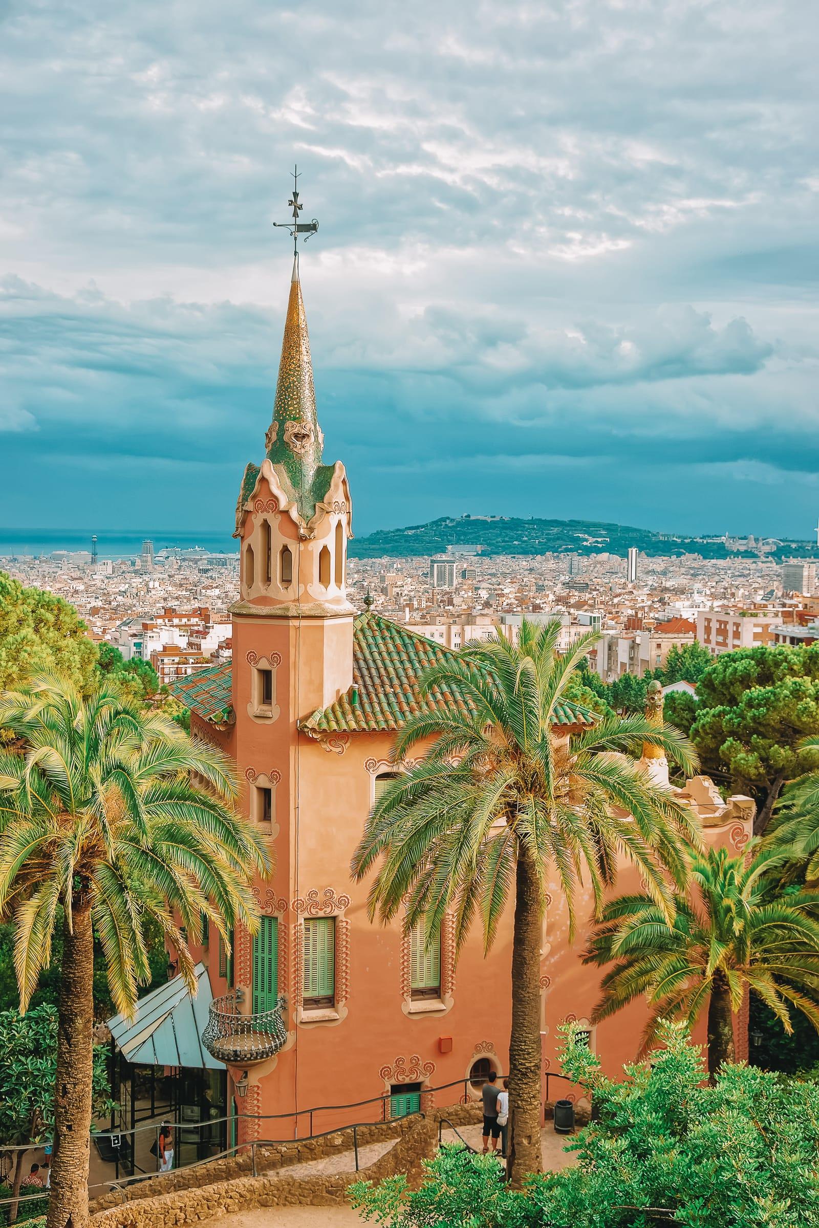 6 Must See Buildings By Gaudi In Barcelona (6)