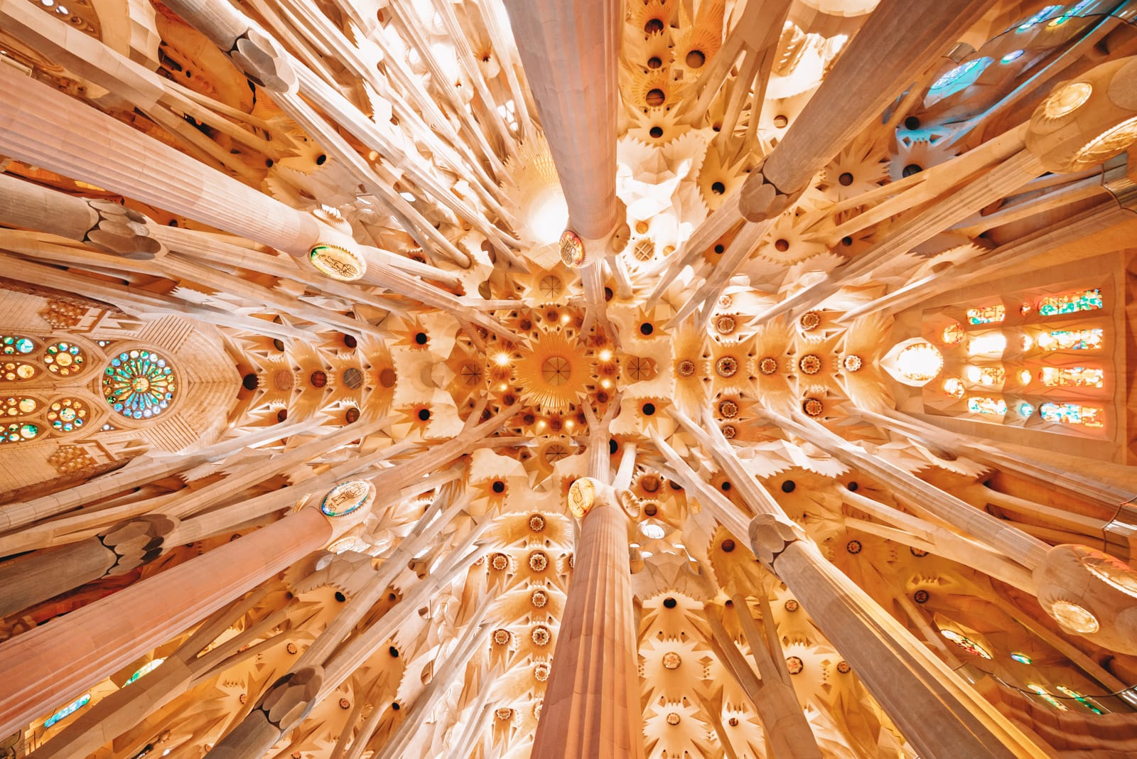 6 Must See Buildings By Gaudi In Barcelona (7)