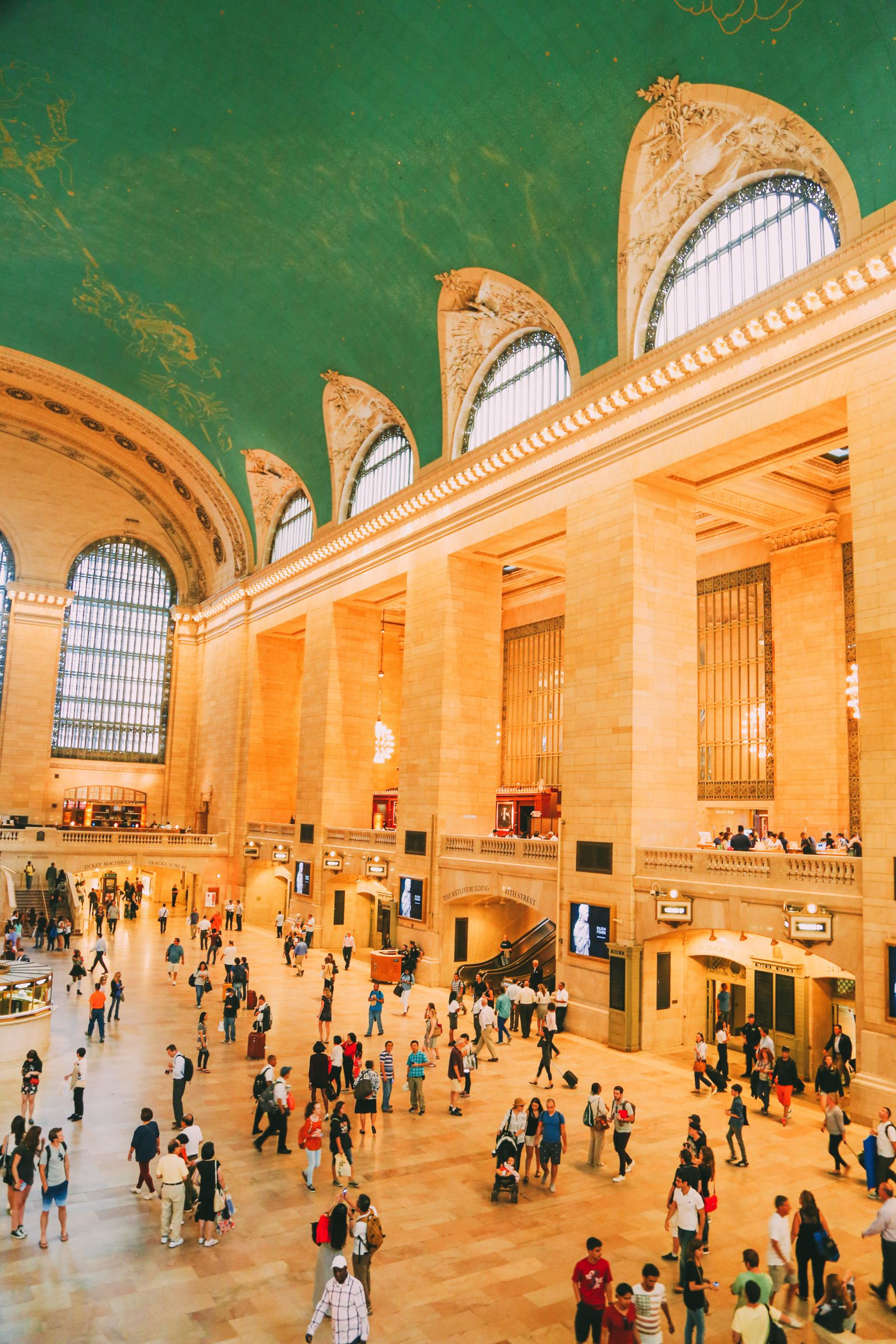 Grand Central Station, New York City - A Photo Diary (16)