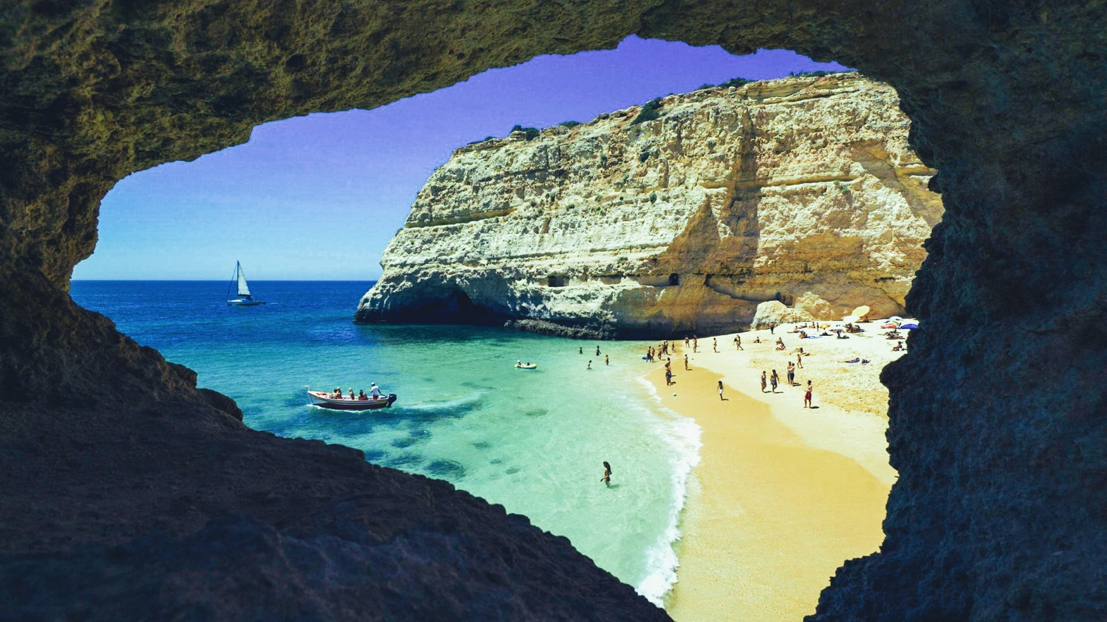 10 Beautiful Beaches You Have To Visit In Portugal (11)