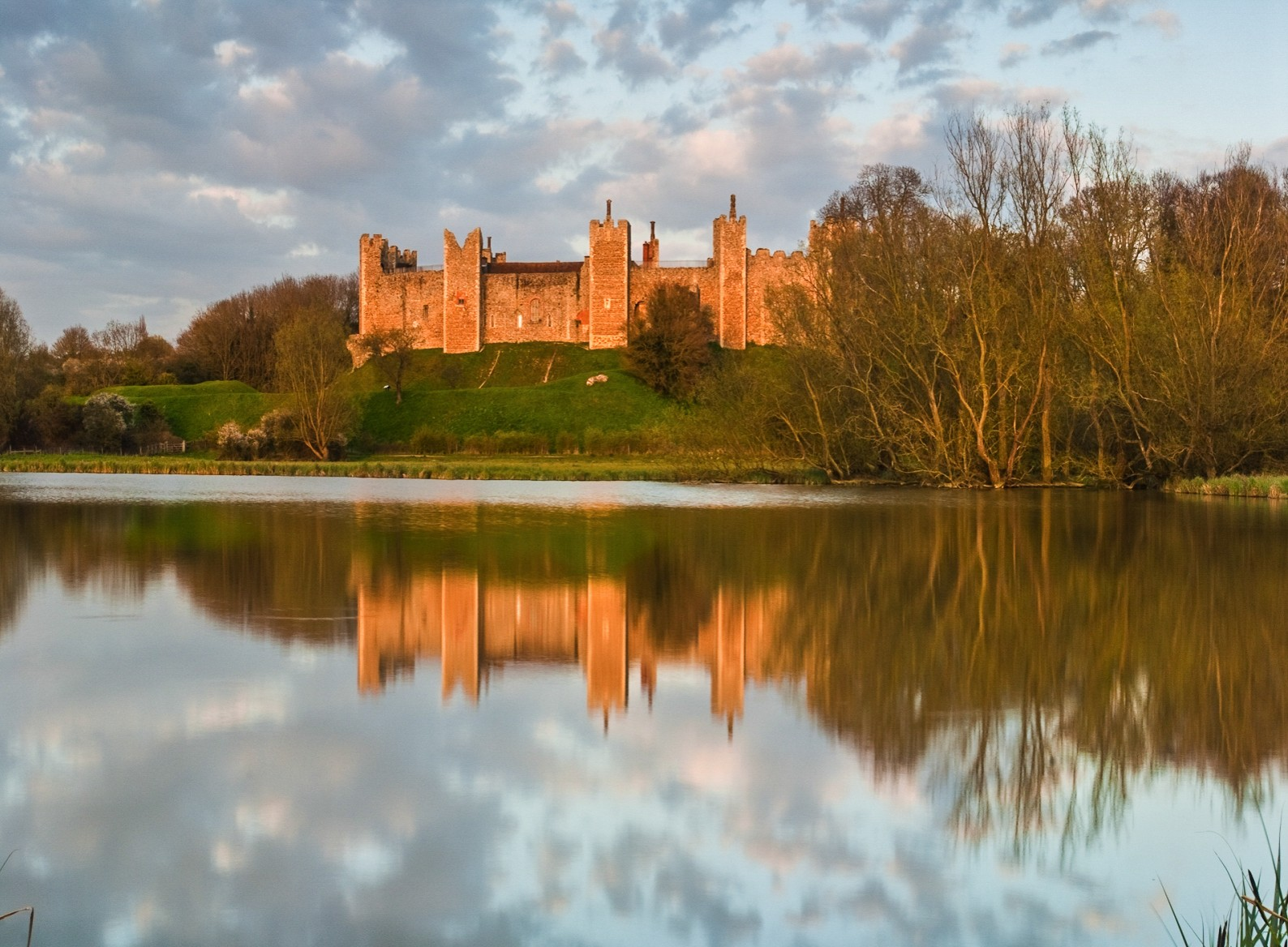 15 Fairytale Castles You Must Visit In England (6)