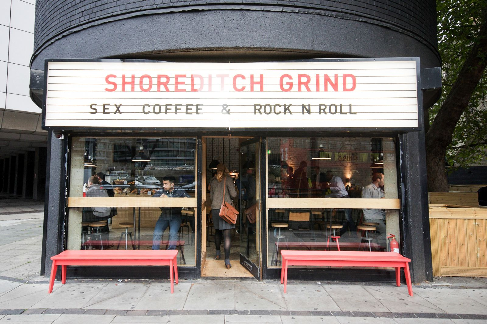 12 Unique And Independent Coffee Shops You Must Try In London (12)