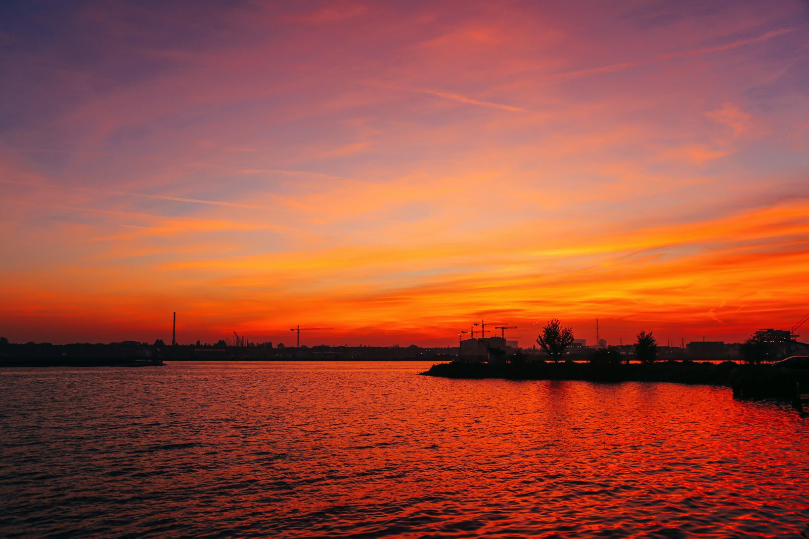 This Is Where To Go For The Best Sunsets In Amsterdam! (14)