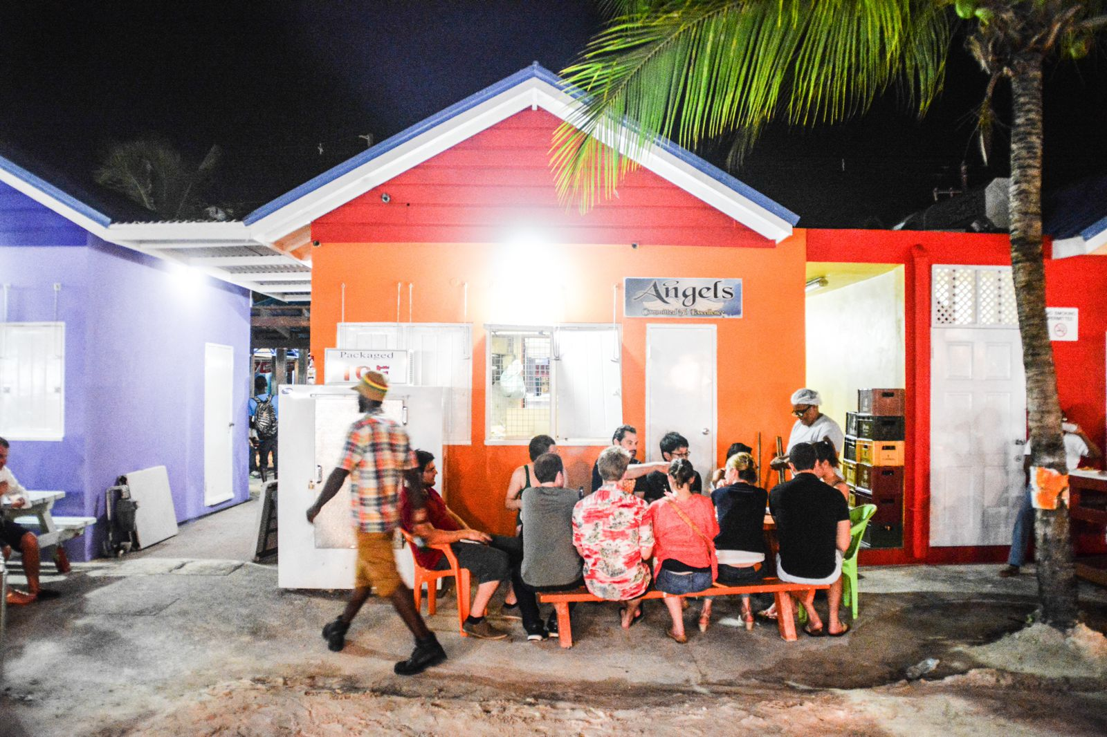Spending An Exciting Evening At Oistins Fish Fry In Barbados (16)