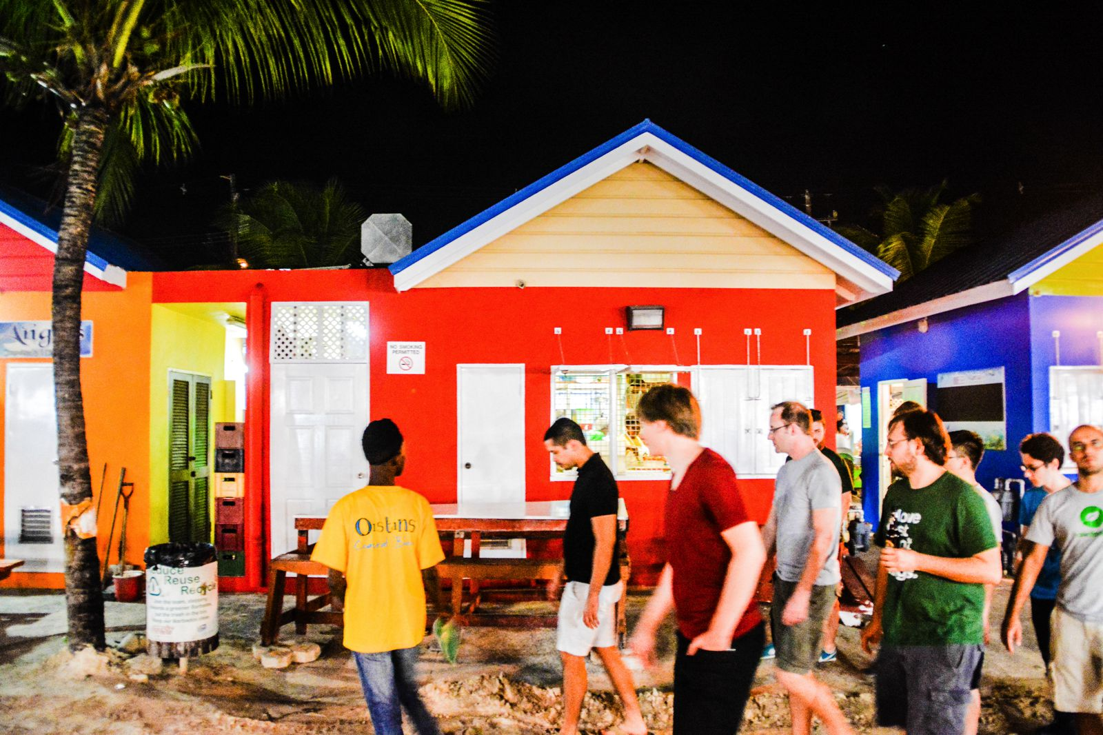 Spending An Exciting Evening At Oistins Fish Fry In Barbados (26)