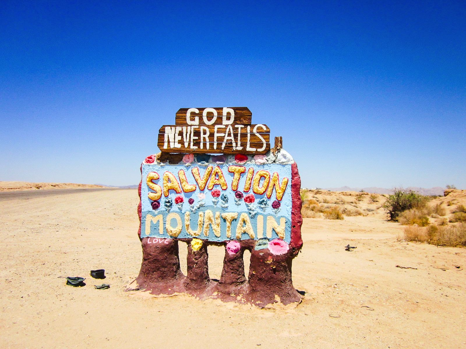 Have You Ever Heard Of Salvation Mountain in California? (7)