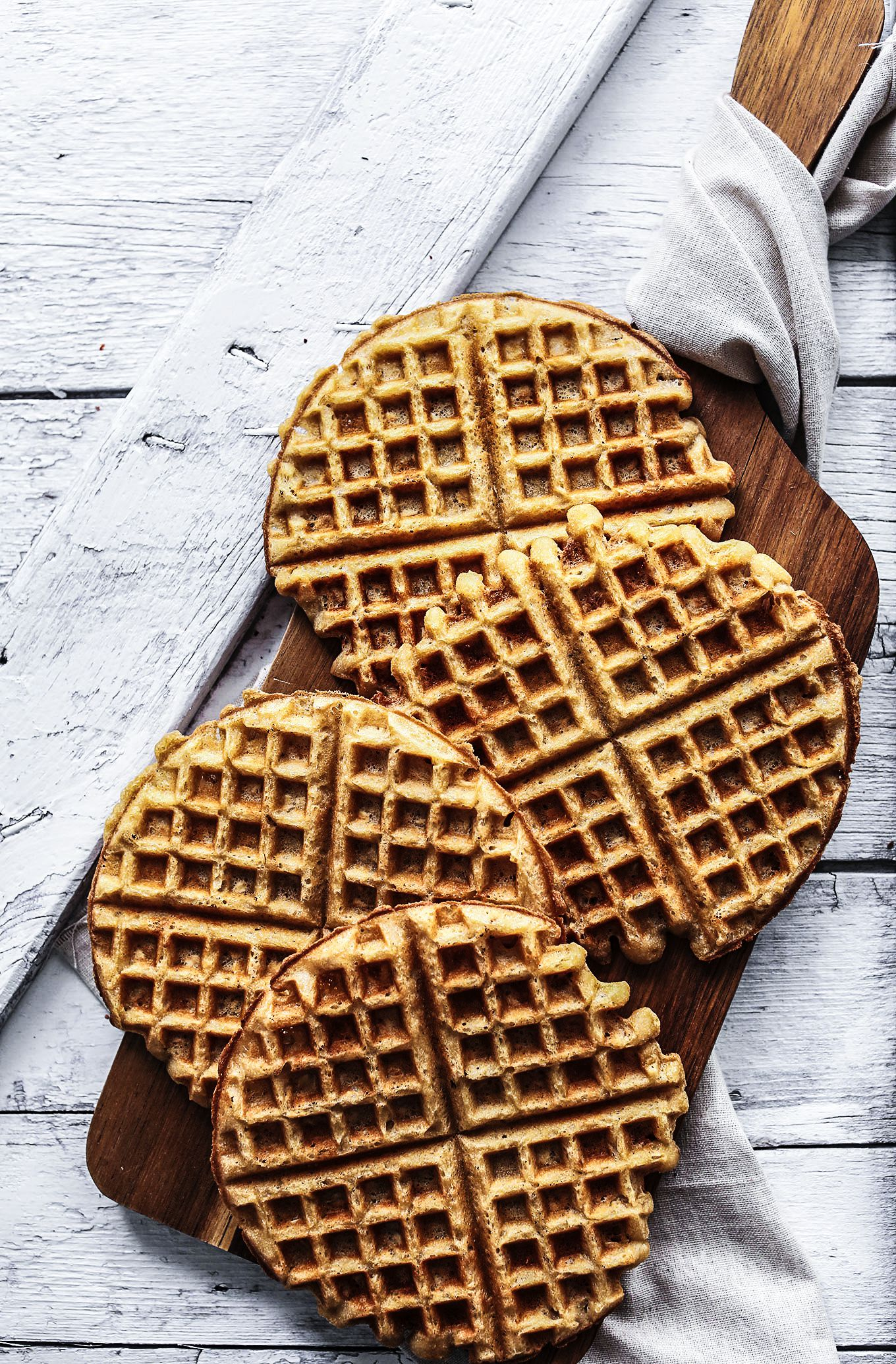 How To Make Indulgently Fluffy Gin And Tonic Waffles (7)