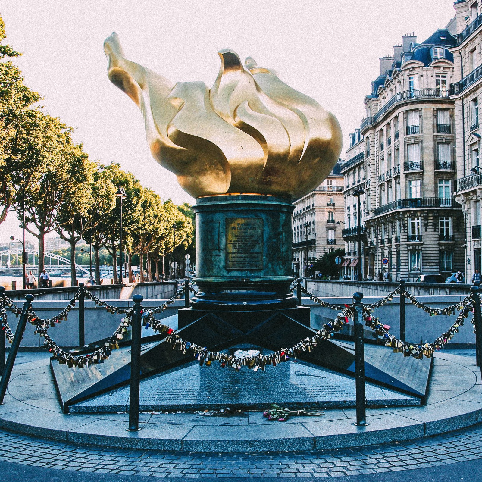 14 Fantastic Secret Spots You Have To See In Paris (19)