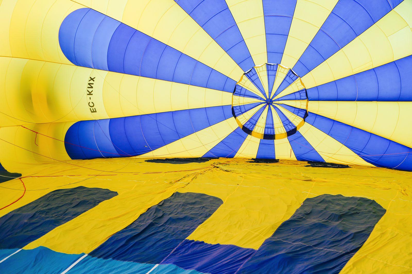 Hot Air Balloon Sunrise... In Sierra De Mariola, Valencia (4)