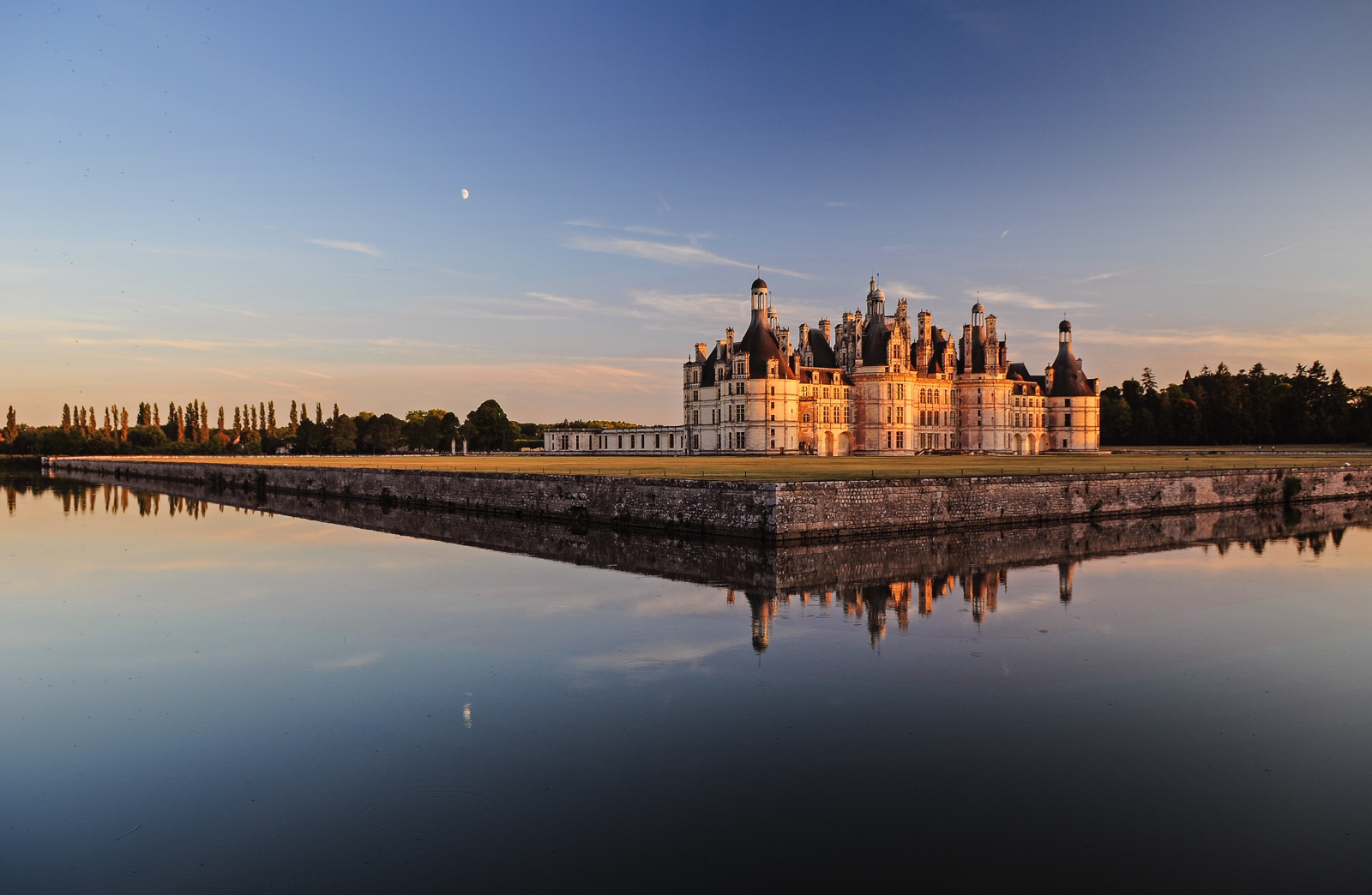 10 Fairytale Castles You Must Explore In France (12)