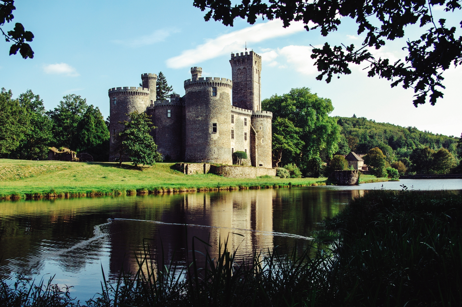 10 Fairytale Castles You Must Explore In France (13)