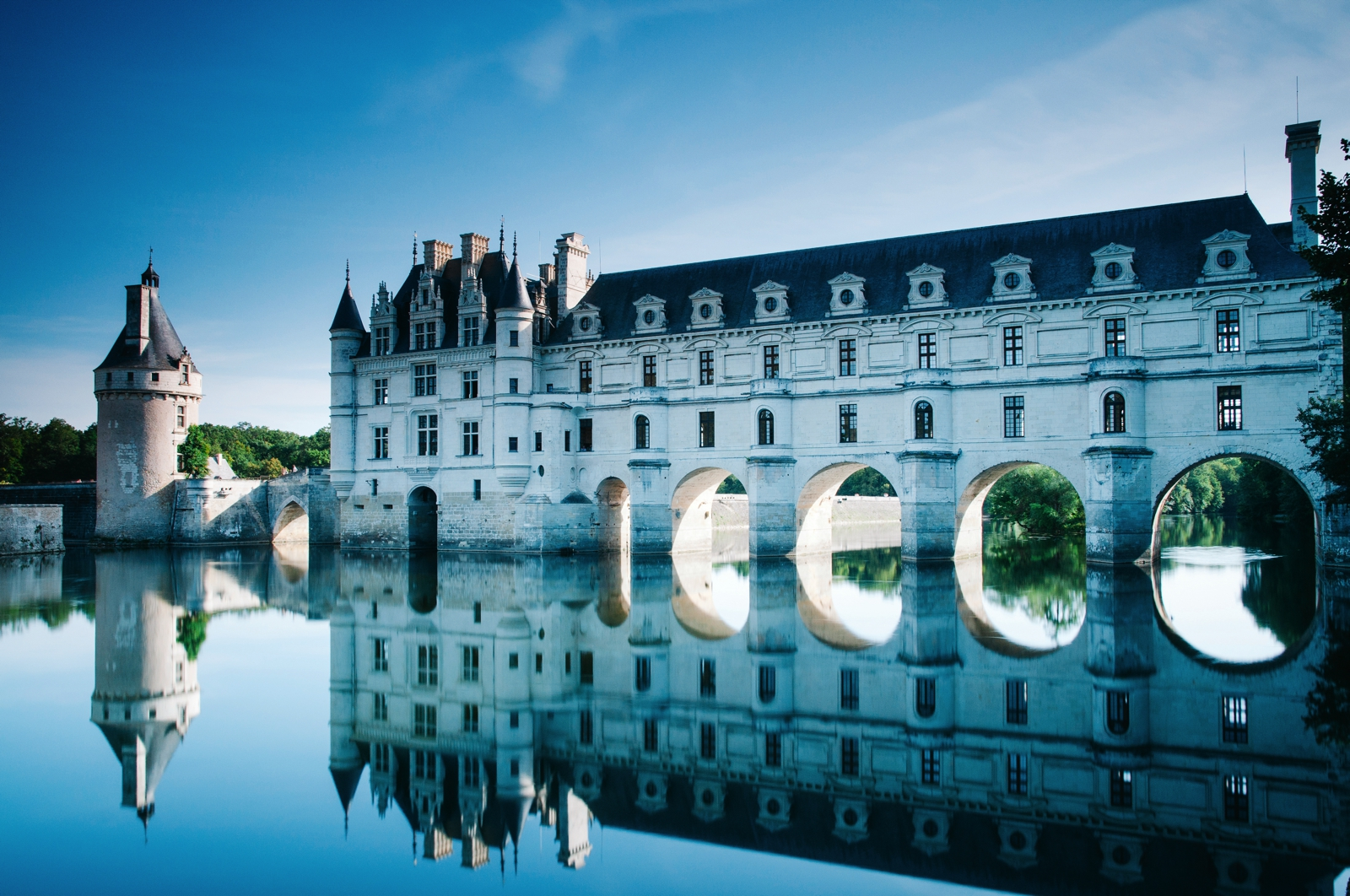 10 Fairytale Castles You Must Explore In France (16)