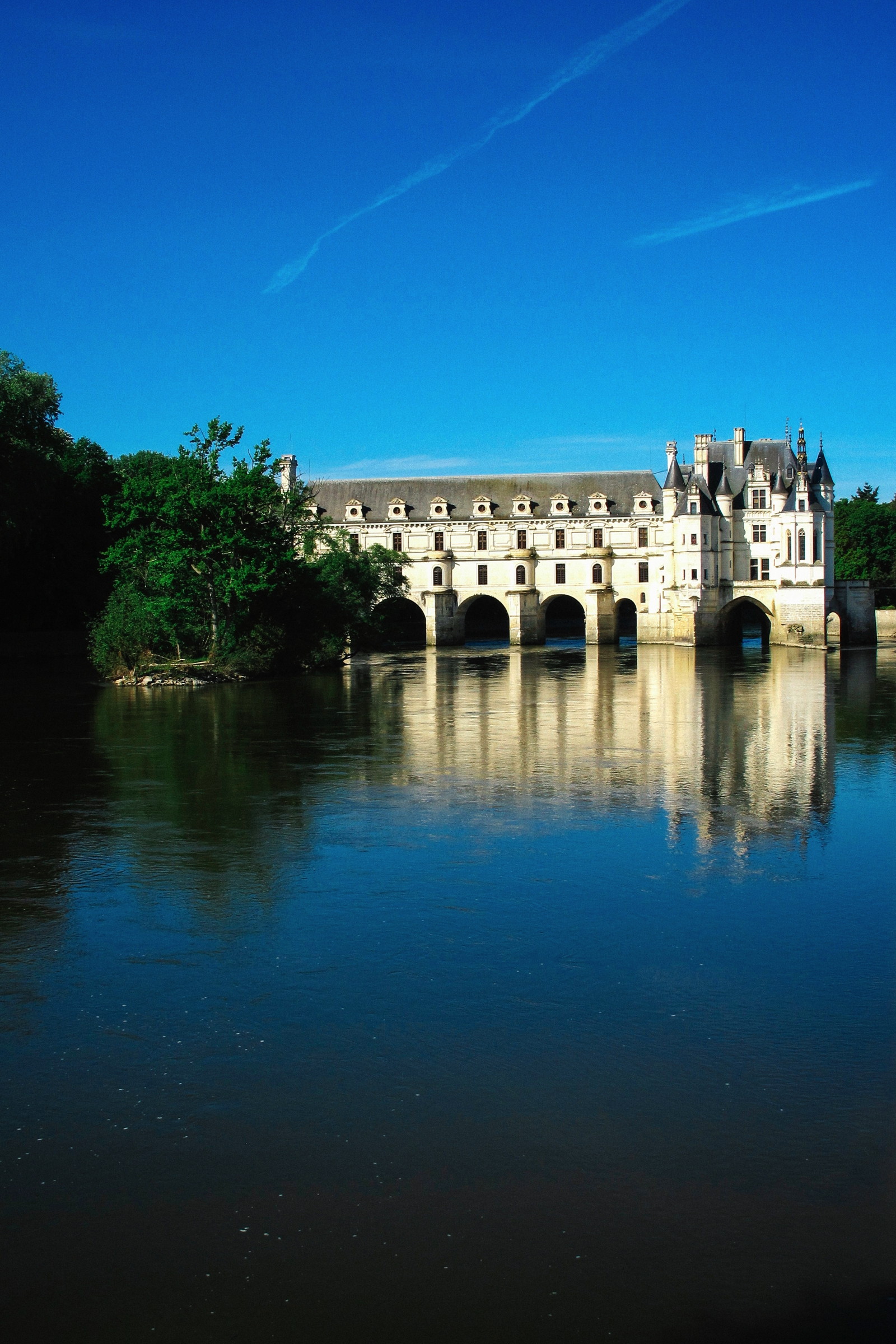 10 Fairytale Castles You Must Explore In France (17)