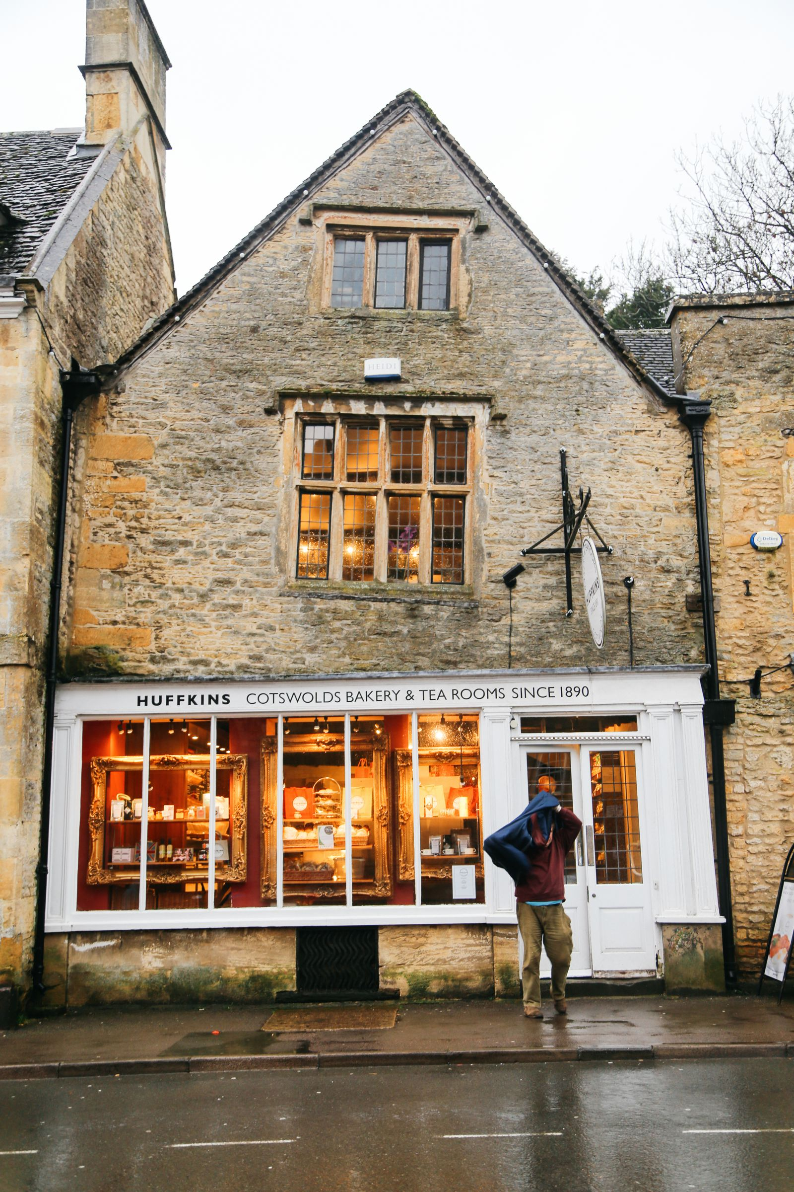 3 Neighbouring Villages & Towns You Need To Visit In The Cotswolds, England  (25)