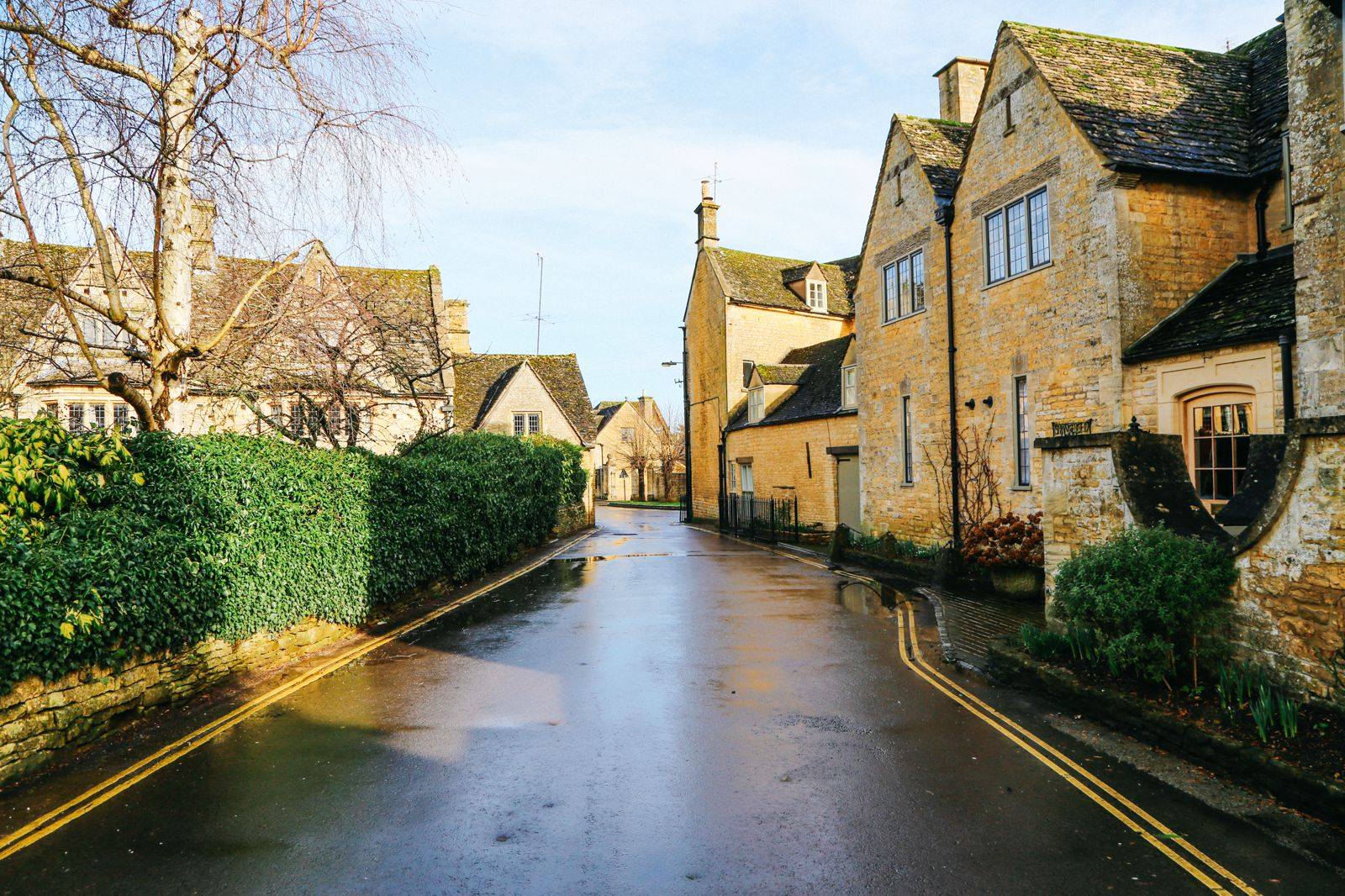 3 Neighbouring Villages & Towns You Need To Visit In The Cotswolds, England  (3)