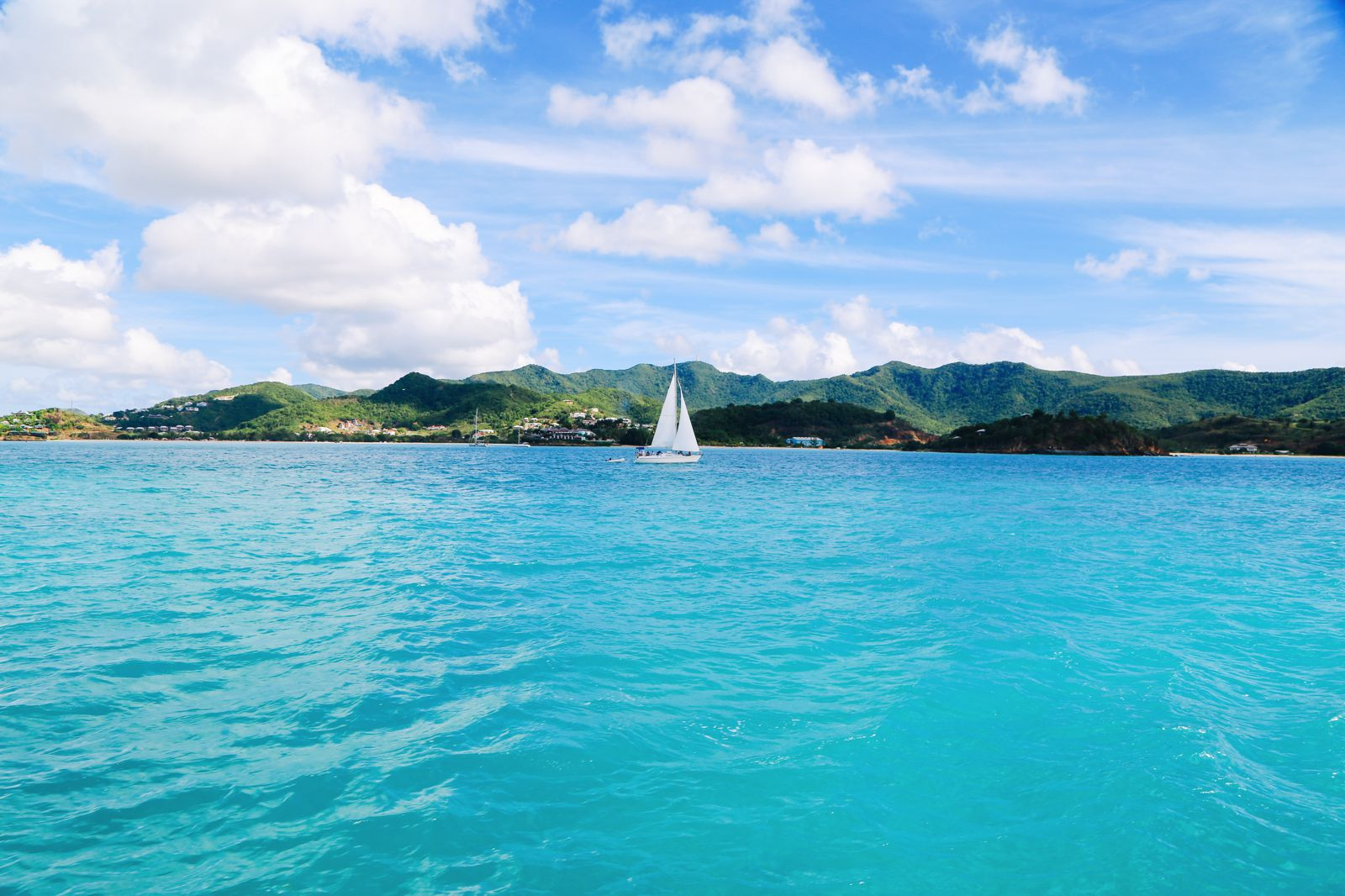 Sailing In Antigua In The Caribbean (6)