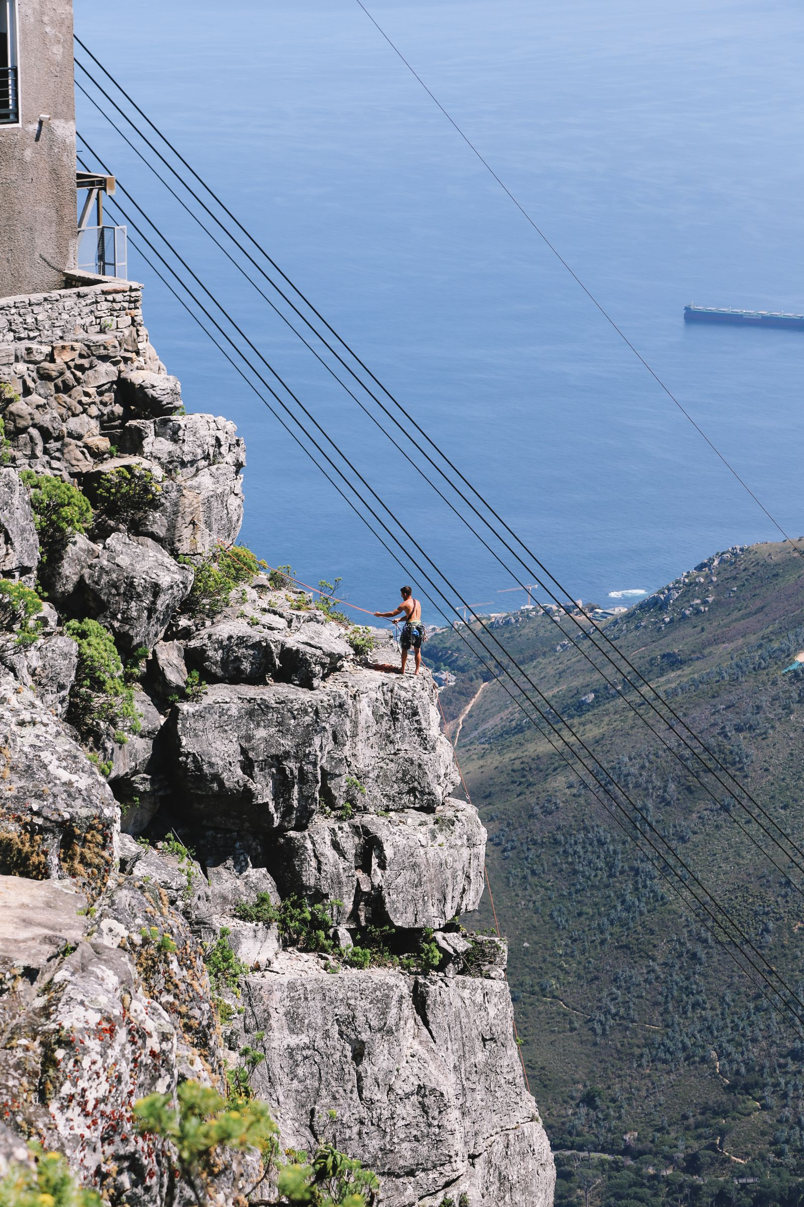 Journey Up Table Mountain In Cape Town, South Africa (39)