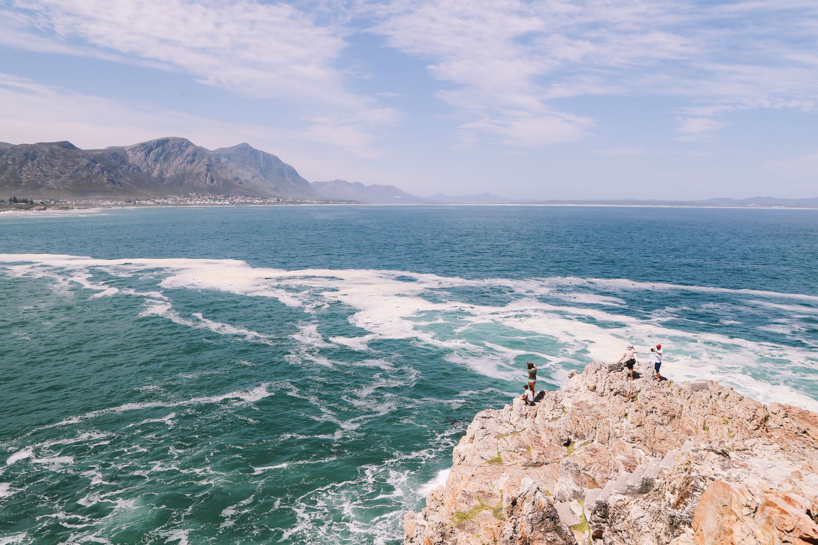 This Is The Best Place To Go Whale Watching In South Africa... And It Has Wine! (3)