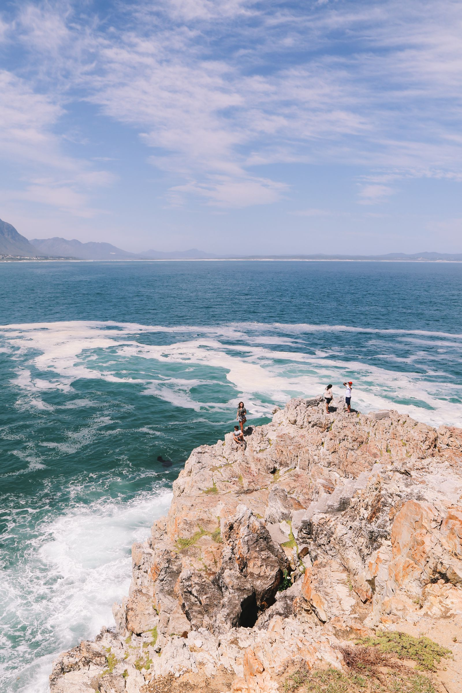 This Is The Best Place To Go Whale Watching In South Africa... And It Has Wine! (4)